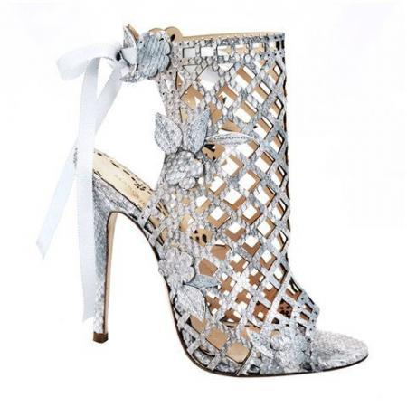 holding-marchesa-shoes-700