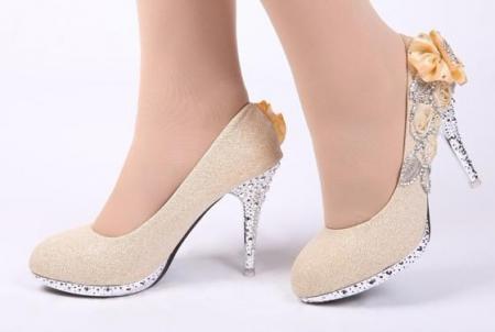 o-envio-gratuito-de-sapatos-de-casamento