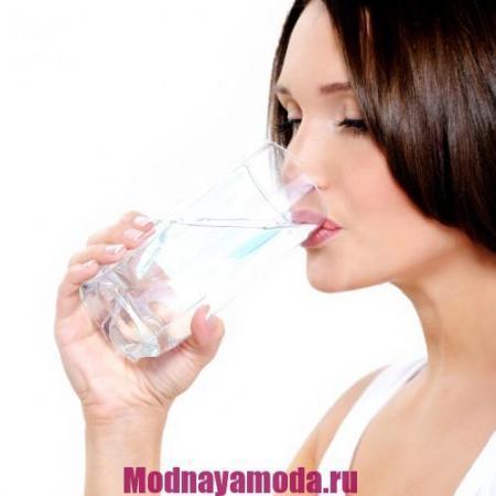 content_woman-drinking-h2o-e1400106615900