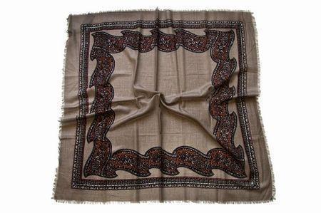 Женский шейный платок