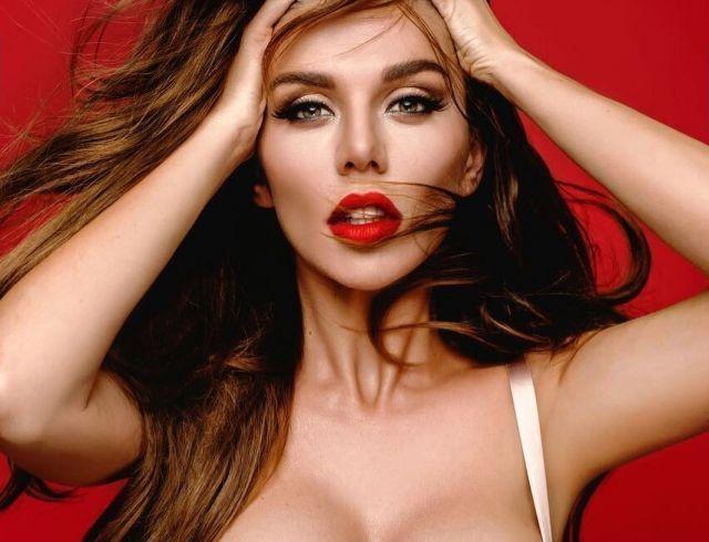 Анна Седокова стала причиной скандала супружеской пары