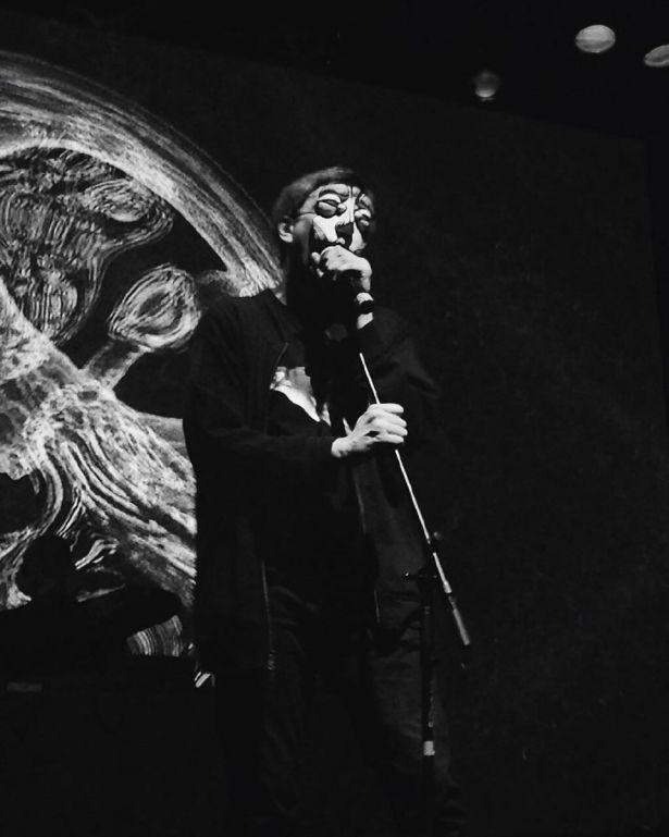 Рэпера Гнойного избили перед концертом