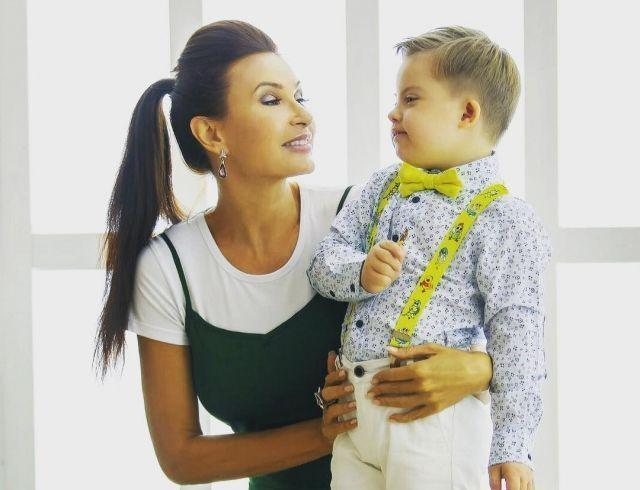 Разведенная Эвелина Бледанс задумалась о третьем ребенке