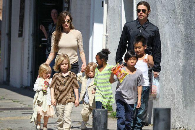 Питт пытается купить у Джоли право воспитывать детей