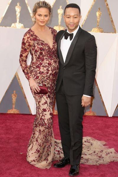 Официально: Джон Ледженд и Крисси Тейген станут родителями во второй раз!