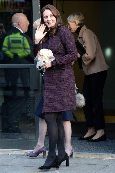 Не по-королевски: Миддлтон вышла в свет в простеньком пальто