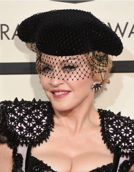 Хэнкс, Джекман, Мадонна и еще 10 звезд, выросших без мам