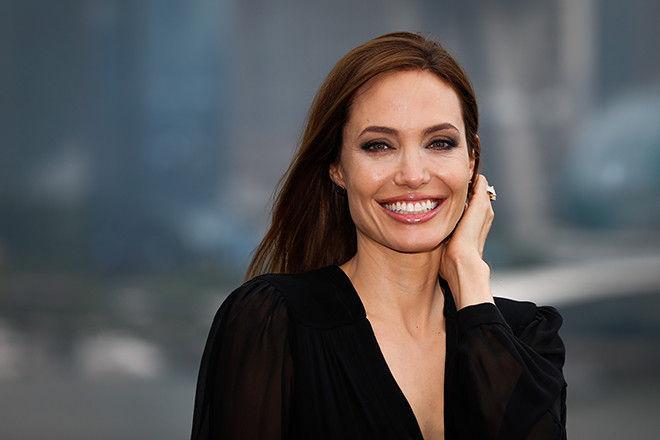 Ольга Бузова, Анджелина Джоли и еще восемь звезд, у которых давно нет секса