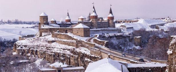Необитаемый остров и заброшенная пещера: встречаем Новый год 2018 в Украине