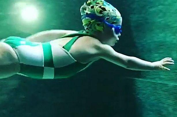 4-летняя дочь Аллы Пугачевой и Максима Галкина получила первую медаль за плавание