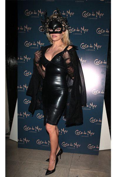 Что скрыла маска: шок-образ Памелы Андерсон