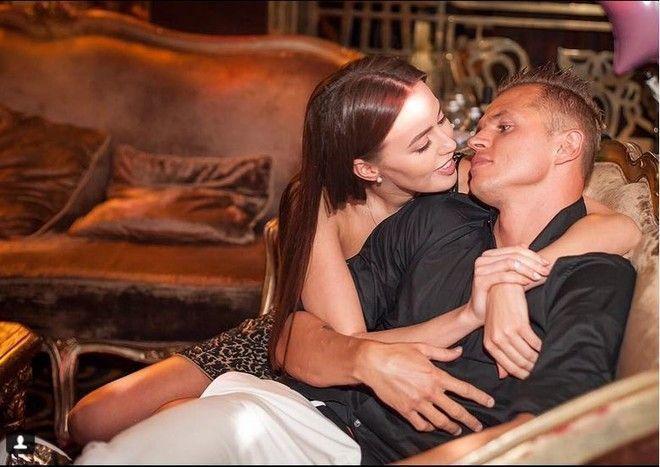 Костенко станет мамой раньше, чем планировала