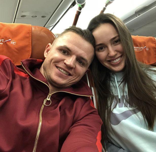 Вместо свадьбы: Тарасов и Костенко улетели к океану