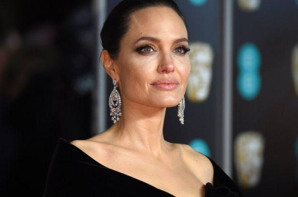 """""""Бойкий разум — это сексуально"""": Анджелина Джоли откровенно о внешности и воспитании детей"""