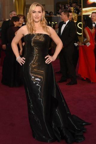 Оливия Кук вышла в свет в платье из мусорного пакета