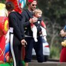 Невероятно счастливы: Брэдли Купер и Ирина Шейк были замечены на прогулке с дочерью (ФОТО)