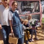 Так не бывает: в 36 лет Водянова выглядит как сестра своих детей