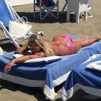 Салтыкова в 52 года показала шикарную фигуру в бикини