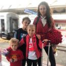 Многодетная Инна Жиркова гуляла по Сочи в прозрачном боди