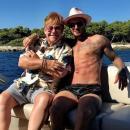 Семья Бекхэмов отдохнула с Элтоном Джоном на Лазурном берегу (ФОТО+ВИДЕО)