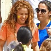 Ради смеха: Шакира сделала клоунский макияж