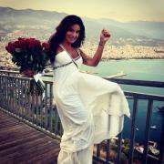 Победив рак, экс-солистка «Тату» вышла замуж