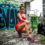 AZIZA вступает в войну Nicki Minaj против Cardi B: премьера клипа Айзы Анохиной ROLLIN'