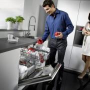 Преимущества и недостатки посудомоечной машины