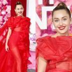Майли Сайрус в эффектном платье от Valentino блеснула на премьере в Лос-Анджелесе (ГОЛОСОВАНИЕ)