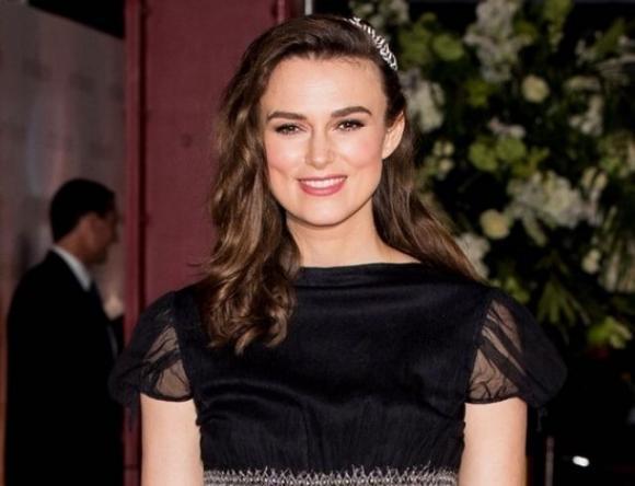 Кира Найтли в платье от Chanel презентовала новый фильм в Лондоне (ФОТО)