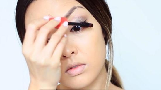 Как правильно делать макияж?