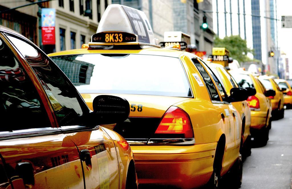 Плюсы и минусы отзвона роботом в работе службы такси
