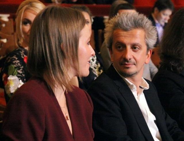 Ксения Собчак и Константин Богомолов больше не скрывают чувств на людях
