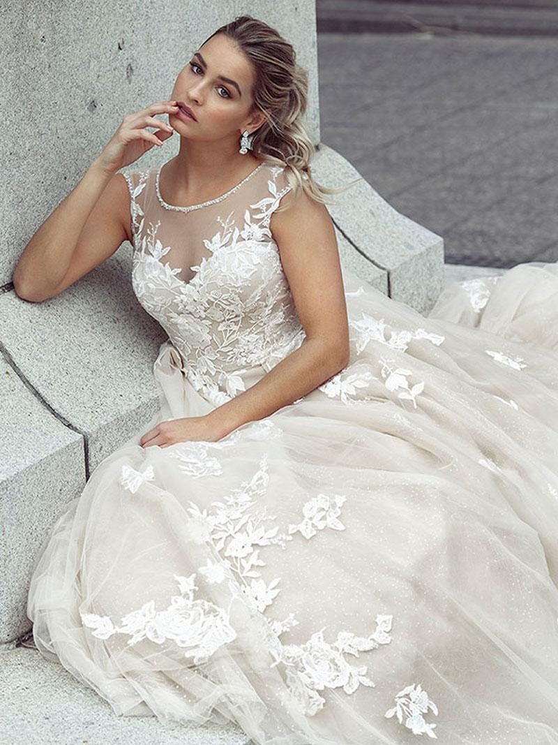 Как выбрать свадебное платье по фигуре?