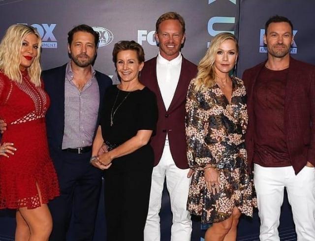 """Все в сборе: вышел новый трейлер """"Беверли-Хиллз, 90210"""""""
