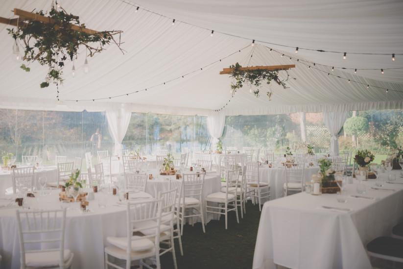 Свадьба в шатре – основные параметры выбора
