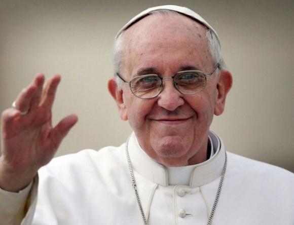 """""""Не поддавайтесь искушению болтовни"""": Папа Римский обратился к парикмахерам"""