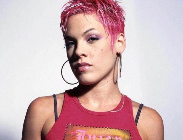 Певица Пинк впервые рассказала о выкидыше в 17 лет