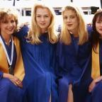"""Звезды """"Беверли Хиллз, 90210"""" показали фигуры в купальниках (ФОТО)"""