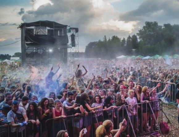 БEZ VIZ: на украинский музыкальный фестиваль в Днепре привезут понтонный мост за миллион гривен