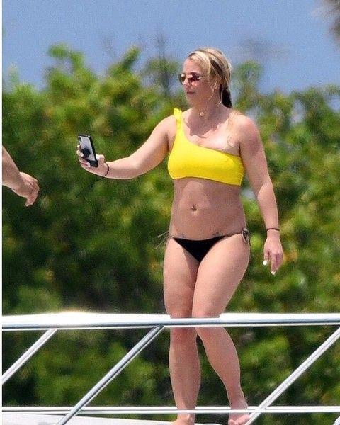 Бритни Спирс утверждает, что ее специально показывают толстушкой