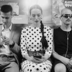 """""""Розовый фламинго"""": Даша Астафьева в метро зачитала стихи из ностальгической песни"""