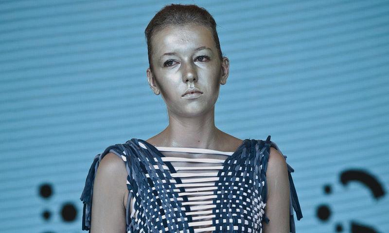 Устойчивая мода: как наука помогает сделать производство одежды экологичным