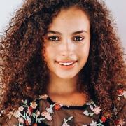 Стала известна причина смерти 16-летней актрисы Майи-Лесии Нэйлор