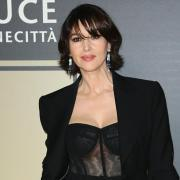 Звезды выбирают total black: Моника Беллуччи в черном наряде на вечеринке в Риме (ФОТО)