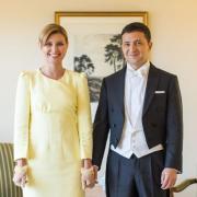 Президент Украины с женой в Японии: яркий образ Елены Зеленской вызвал восторг (ФОТО+ГОЛОСОВАНИЕ)