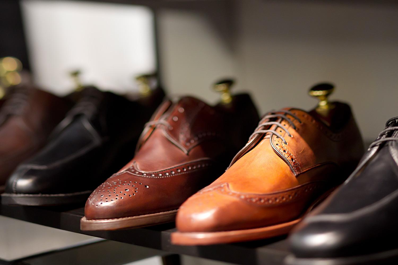 Преимущества закупки обуви оптом