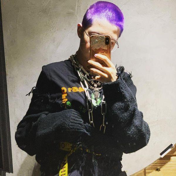 Старшая дочь Глюк'оZы поразила подписчиков новым имиджем: фиолетовые волосы и стрижка под единичку (ФОТО)
