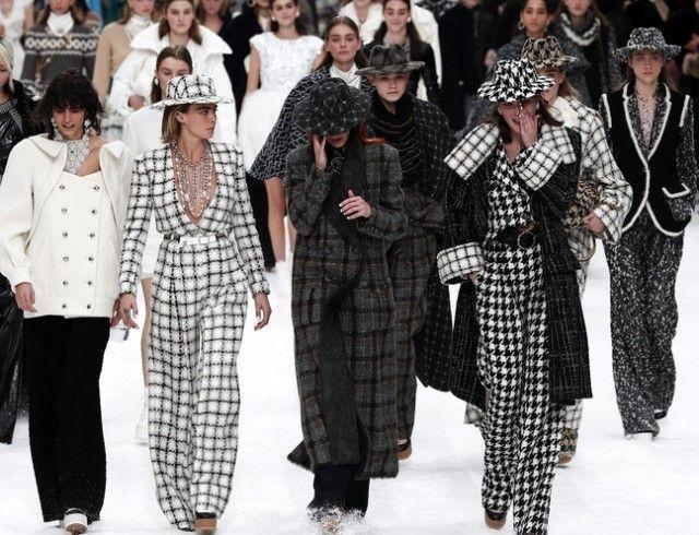 Безопасность от кутюр: Chanel и Burberry начали шить защитные маски и халаты