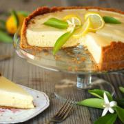 Как приготовить чизкейк - лимонный и с черникой